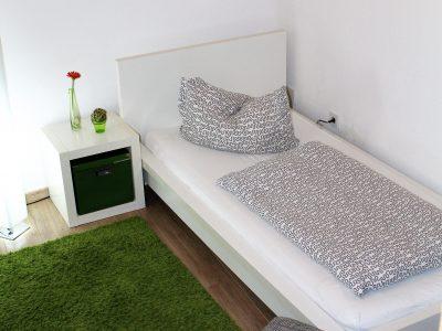 Bett rechts Ferienwohnung